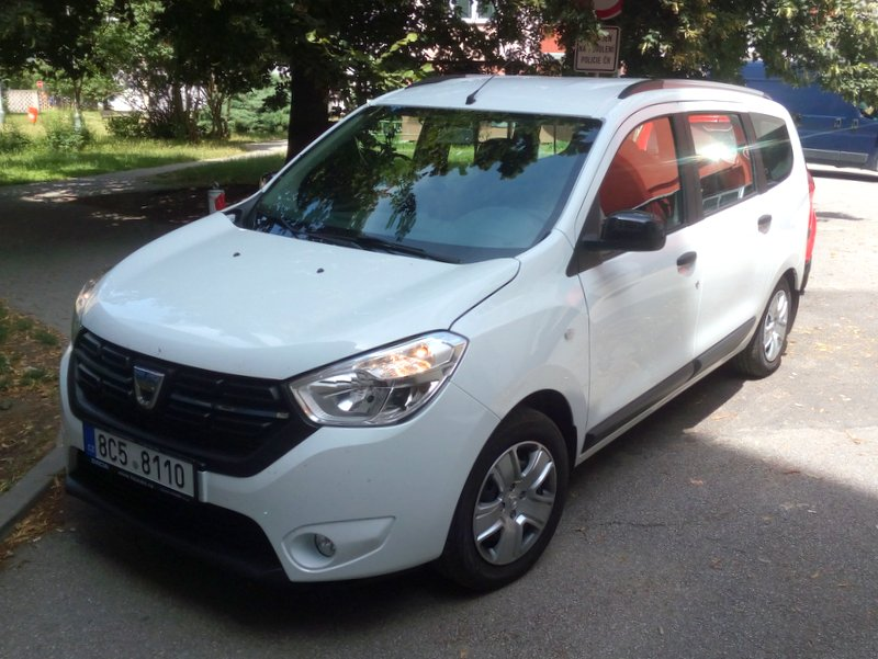 JS--Dacia_Lodgy-1